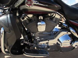 2006 harley-davidson FLHTCUSE4 CVO Ultra Classic Electra Glide   London Ontario image 16