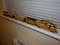 HORNBY OO GAUGE CRANE SET UP AND CLEANING COACH MODEL RAILWAY