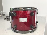 """Selling 10""""x13""""mapex Saturn tom in mint condition"""