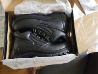 new boots size 8