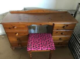 Dressing table with 8 drawers and pink cat design stool