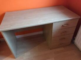 Desk with 4 drawers