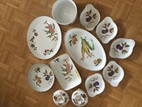 Royal Worcester Evesham Gold oven to tableware