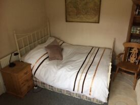 Spacious double room for rent with parking