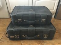 Set of 2 matching suitcases