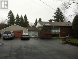 House for sale on one acre lot in Sturgeon Falls