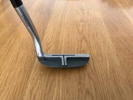 MALIBU CHIPPING WEDGE RIGHT HANDED STEEL SHAFT .