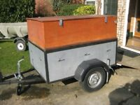 4 x 3 Trailer With wood extensions and tailgate camping car