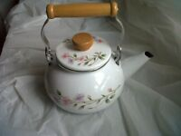 4SALE,1 UNUSED STOVE KETTLE,WITH CARRYING HANDLE,IN GD CONDITION,ONLY £5