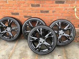 19' black alloy wheels