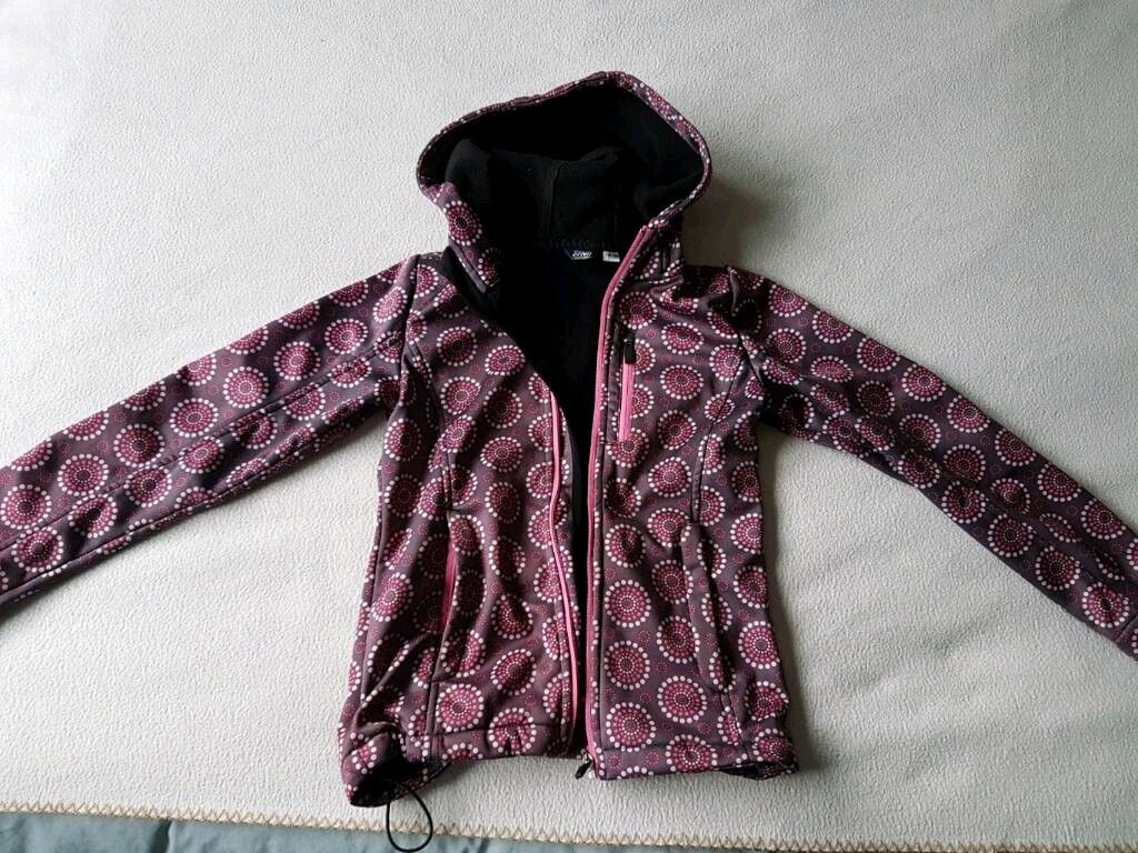 Girl's soft shell jacket 9-10y
