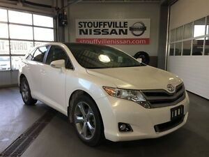 Toyota Venza leather and sunroof v6 2014