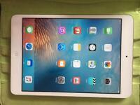 iPad mini 16GB silver very good condition