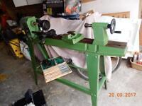 Clarke lathe with wood turning chisles