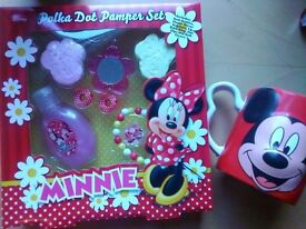 Now only £6, Girls present Official minnie mouse pamper set easter gifts mickey cup just add chocs!