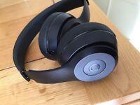 BEATS solo 3 headphones - mint condition
