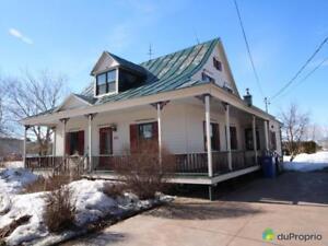 199 000$ - Maison 2 étages à vendre à Champlain