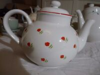 Red and white 6 cup teapot