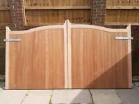DRIVEWAY GATES PAIR SOLID T&G BOARDED ARCH TOP HARDWOOD