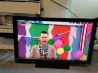 "40"" fhd TV with Freeview has remote"