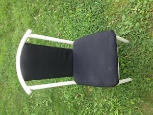 Table and 2 chairs - $60 St. John's Newfoundland image 4