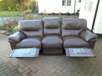 SUPERB QUALITY BROWN LEATHER 2 STR & 3 STR RECLINING SOFAS IN EXCELLENT CONDITION £295