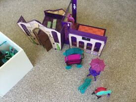Monster high school and sets