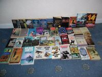 42 Thriller / Mystery paperbacks includes James Patterson