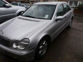 Mercedes Benz c180 Leather interior Electric Windows 1 former keeper 60000 MOT Till April 2019