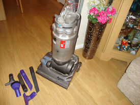 DYSON DC14 CLEANER