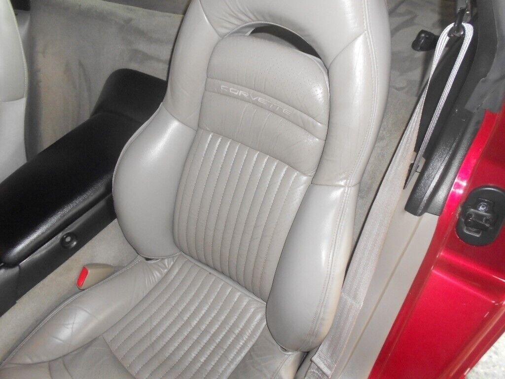 2000 Red Chevrolet Corvette Coupe    C5 Corvette Photo 9