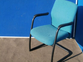 Meeting Chair with green fabric and adjustable back (Delivery)