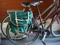 Set of 2 bicycle panniers, in very good condition