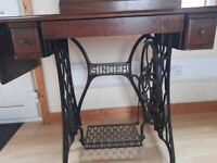 Singer Sewing machine with table