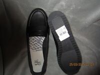 black clarkes shoes