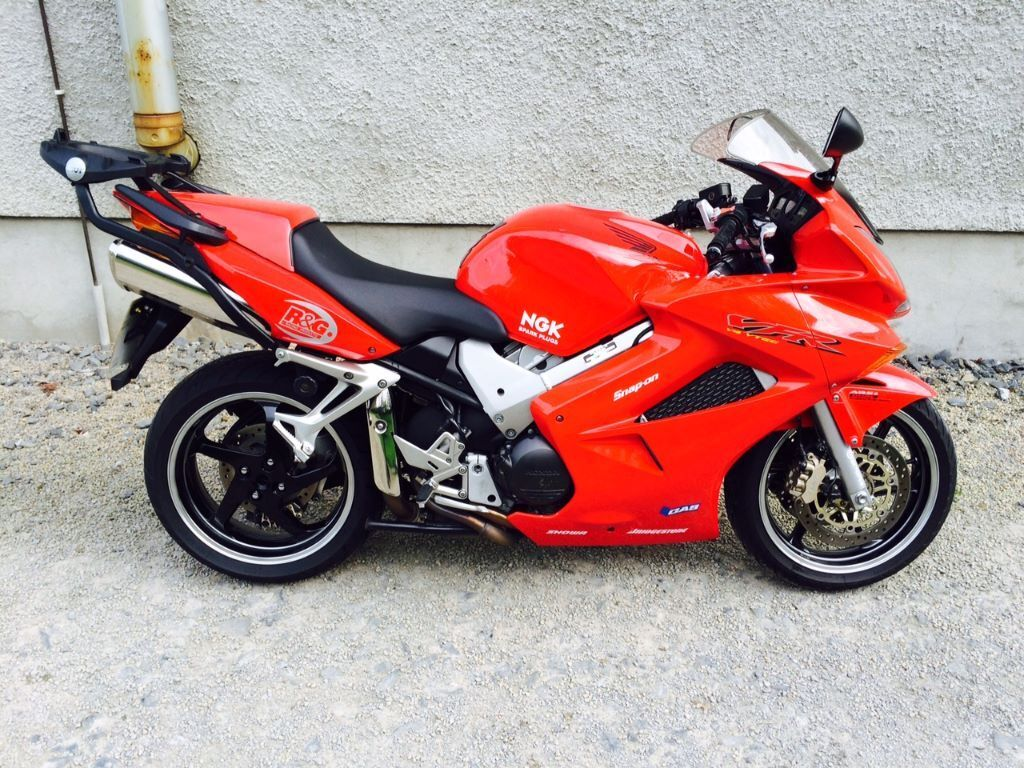 honda vfr800 2003 red vtec abs sports tourer 9800 miles excellent condition bike vfr 800 in. Black Bedroom Furniture Sets. Home Design Ideas
