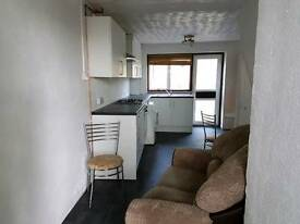 2 rooms in quiet shared house