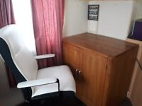 SOLID OAK OFFICE DESK AND EXECUTIVE CHAIR