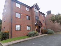 Lovely 2 Bedroom Apartment, Private Parking, Secure Gates, Close to Town Centre, Train Station
