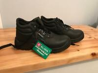 Woman safety shoes. Size 38/5uk