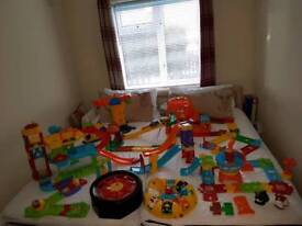 Toot Toot's bundle, airport, train station, garage - 7 sets - immaculate