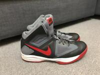 Very Good Condition Nike Zoom Model: 610229 - Men Size 10 - From Smoke & Pet Free Home