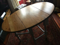 Antique Oval Gate Leg Table in Oregon Pine (Douglas Fir)