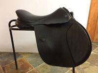 Black leather gp saddle