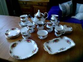 Royal Albert ' old country houses' tea service