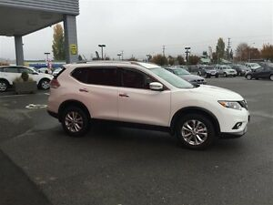 2016 Nissan Rogue SV AWD CVT Local *SUV* No Accidents ! One Owne Comox / Courtenay / Cumberland Comox Valley Area image 3