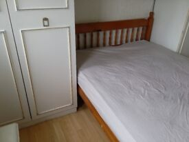 bright single room with double bed walking distance hainault station £89PW all inc bills, NO FEE