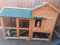 Extra large rabbit hutch**reduced**
