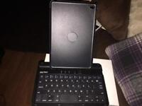 Sharkk wireless keyboard hard swivel case iPad mini 4 Brand new. £10