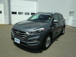 2017 Hyundai Tucson Premium 2.0-LIKE NEW